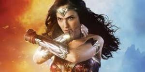 Wonder Woman, vambraces crossed