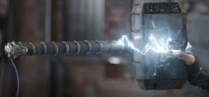 Hela crushes Thor's hammer