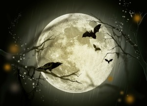White moon with crow and bats (Pixabay)