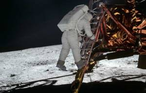 Aldrin descends from Apollo 11